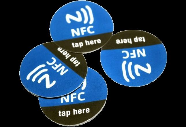 tag nfc (è un piccolo circuito elettronico che può costare anche pochi centesimi e può essere sottile quanto un adesivo)