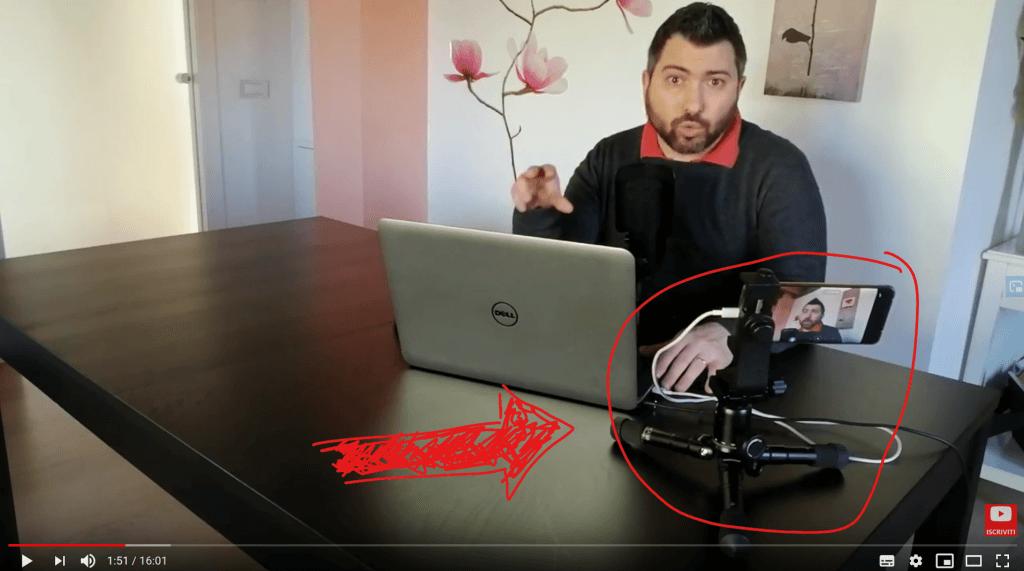 Mini treppiede da tavolo Neewer utilizzato durante uno dei miei video